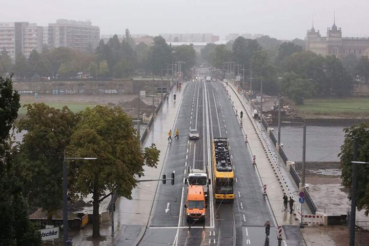 Seit Montag gibt es wieder freie Fahrt über die Albertbrücke.