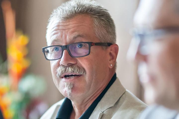Ordnungsbürgermeister Miko Runkel (56, parteilos) hat die kritischen Stellen auf dem Schirm.