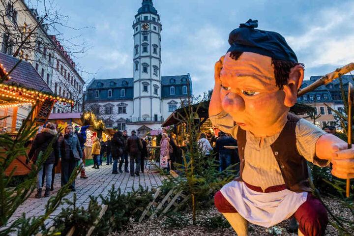 Direkt auf dem Markt vor dem Rathaus ist bis zum 23. Dezember täglich geöffnet.