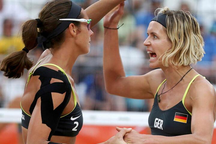 Spielen ein starkes Turnier: Laura Ludwig (r.) und Kira Walkenhorst.