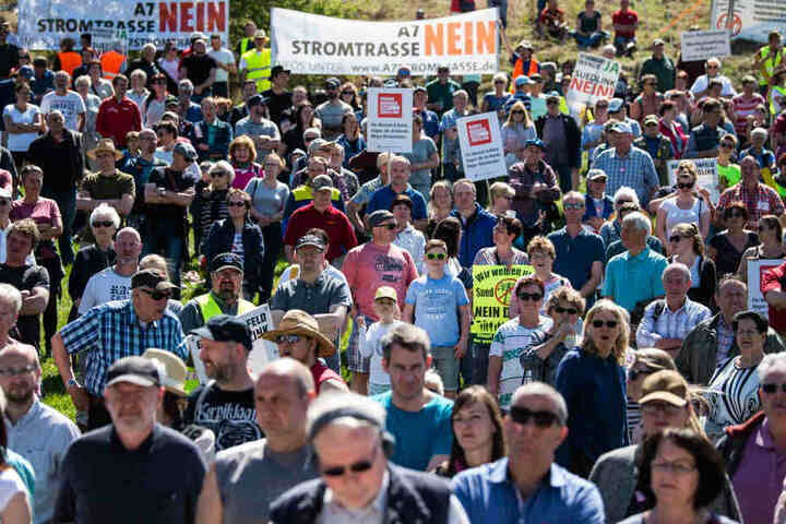 Hunderte Demonstranten hatten sich auf den Weg nach Thüringen gemacht.