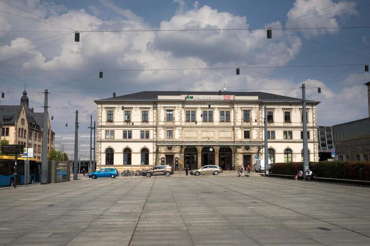 Wann bekommt der Chemnitzer Hauptbahnhof eine Fernverkehrsanbindung? Antworten soll es heute im Rathaus geben.