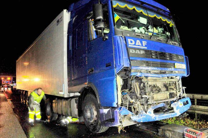 Bei dem schweren Verkehrsunfall mit einer getöteten Polizistin bei Viersen ist der Lastwagenfahrer nach Polizeiangaben stark betrunken gewesen.