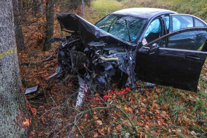 Ein Mercedes-Fahrer hatte auf der Autobahn 9 die Kontrolle über sein Fahrzeug verloren.