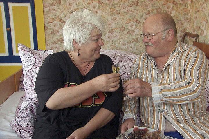 Thüringer Erfolgsrezept! Mit Schnaps und Schinken brachte Günter (66) seine Rosi ins Bett.