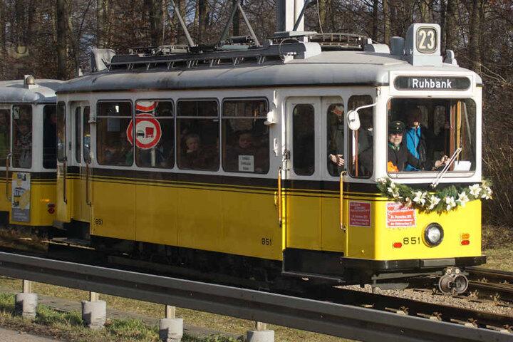 Die Bahn fährt jeden Sonntag zwischen Straßenbahnwelt und Ruhbank (Fernsehturm).