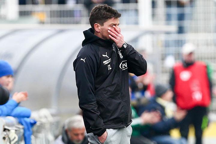 Die Geste verrät es: FSV-Trainer Torsten Ziegner war mit der Leistung seiner Elf in Jena gar nicht zufrieden.