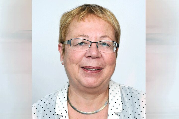 Ruth Röcher (64).
