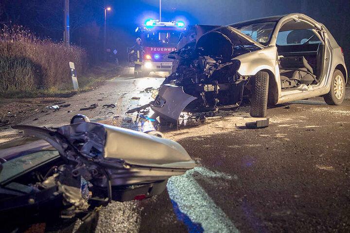 An dem VW Golf entstand Totalschaden.