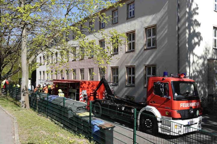 Die Feuerwehr war bis zum Mittag im Einsatz.