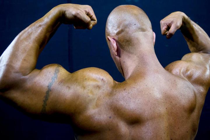 Für muskel- und sportsüchtige Männer gibt es in Oberbayern eine Anlaufstelle. (Symbolbild)