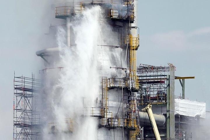 Für die Umgebung der Raffinerie bestand nach dem Brand keine Gefahr, so die Feuerwehr.