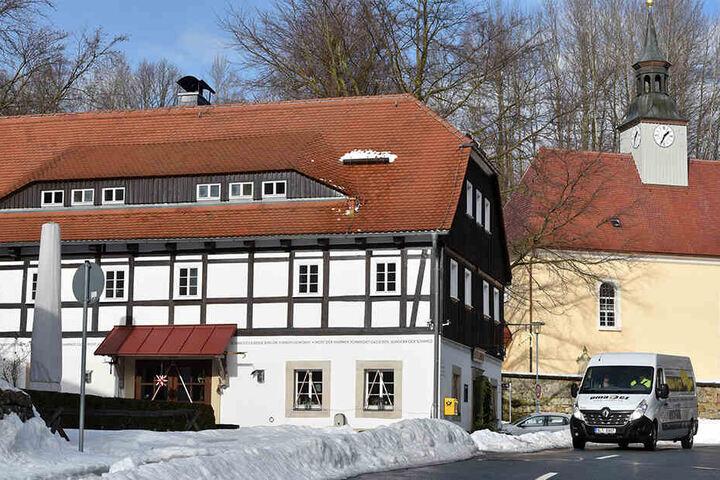 """Auch künftig öffnet das Restaurant der Pension """"Alte Schmiede"""" in Lückendorf von 11 Uhr """"bis der letzte Gast geht""""."""