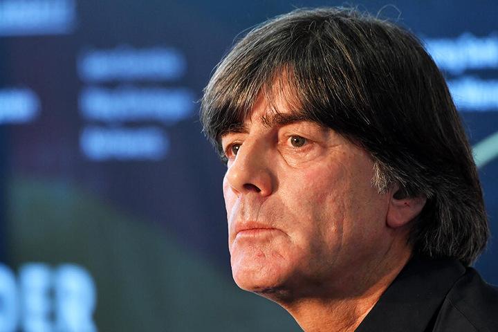 Bundestrainer Joachim Löw erfährt aktuell viel Gegenwind. Die richtungsweisenden Länderspiele gegen Serbien und in den Niederlanden werden mit Spannung erwartet.