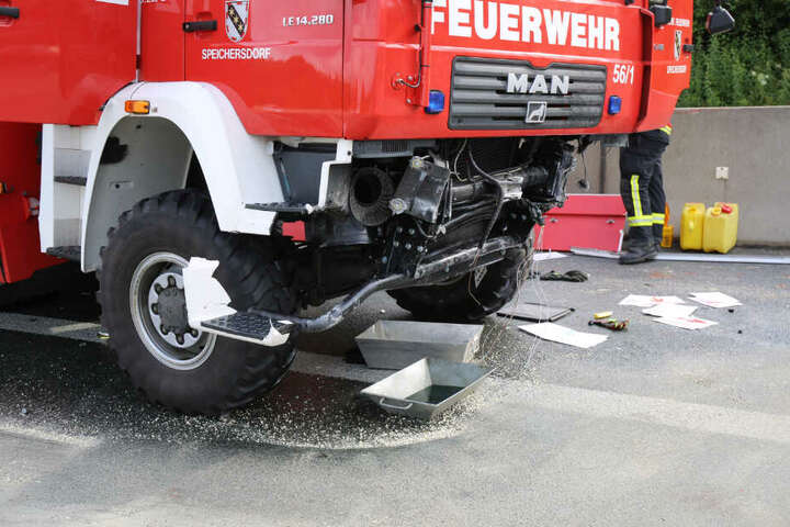 An dem Fahrzeug entstand ein immenser Schaden.