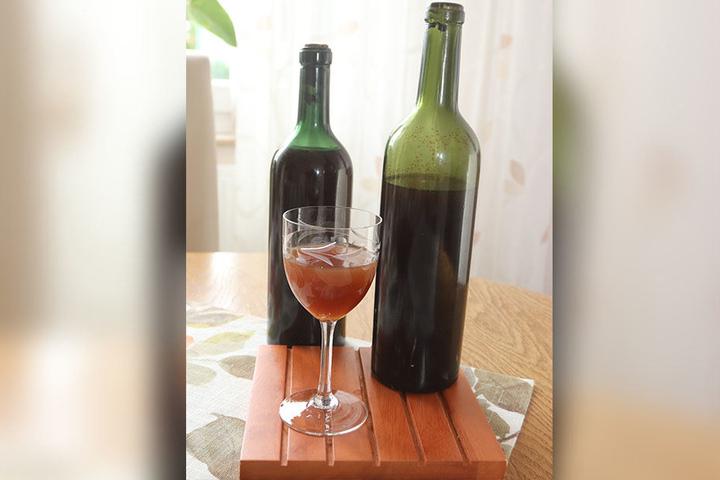 Der alte Wein roch noch immer sehr fruchtig.