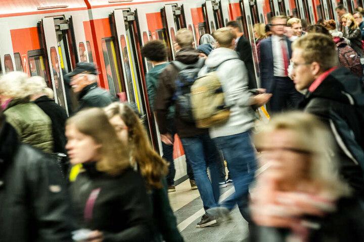 In München und dem Umland sind viele Menschen auf den S-Bahnverkehr angewiesen. (Archivbild)