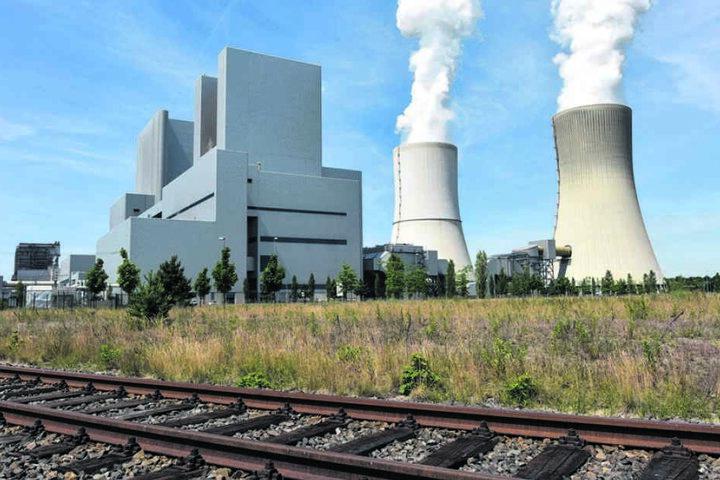 Noch verpesten Braunkohlekraftwerke die Lausitz. Doch in kaum 20 Jahren wird  damit wohl Schluss sein. Für die Zeit danach gibt es nun erste Fördermillionen  vom Bund.
