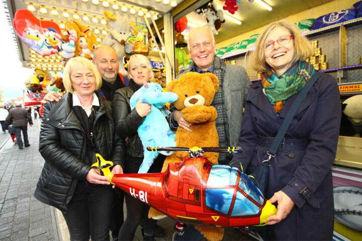 Katrin Sorge, Frank Oesterwinter, Yvonne Blaume, Gustav Wiedey und Regina Kopp-Herr (von links) eröffneten dieses Jahr die Brackweder Glückstalertage.
