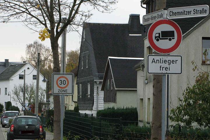 Zwei Einbrüche in Röhrsdorf: Betroffen waren Hausbesitzer in der Chemnitzer und der Theodor-Körner-Straße.