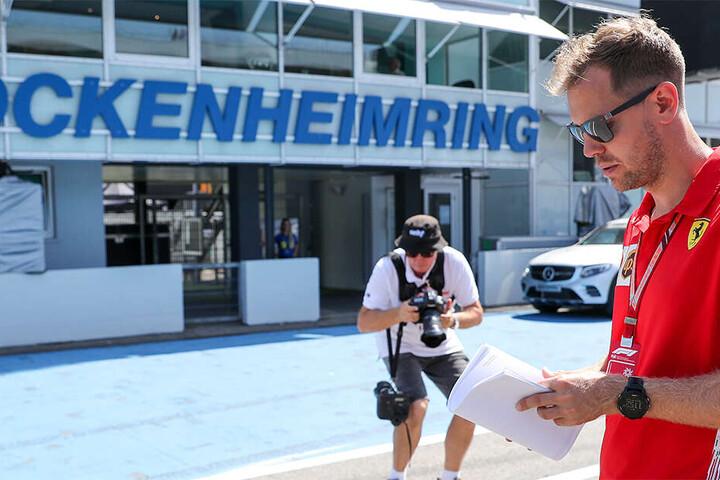Sebastian Vettel steht vor dem Grand-Prix am Hockenheimring ein wenig alleine da.