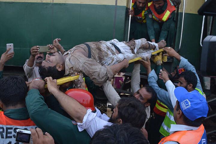 Bei dem Zugunglück gab es mindestens sechs Tote und mehr als 150 Verletzte.