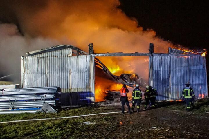 Der Schaden beläuft sich auf etwa 750.000 Euro.