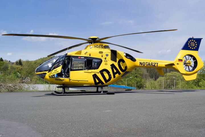 Die Verletzten mussten mit dem Hubschrauber ins Krankenhaus gebracht werden. (Symbolbild)