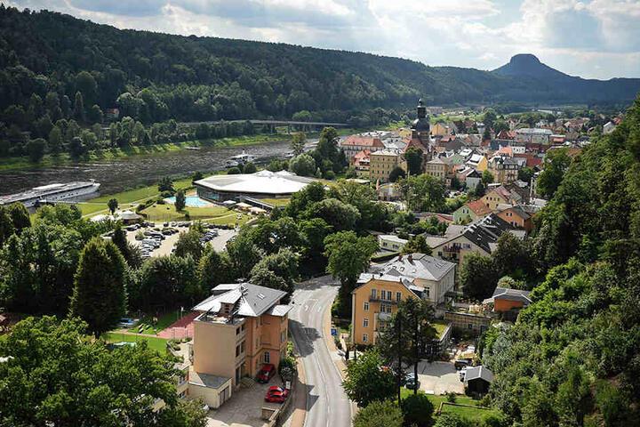 Blick über Bad Schandau und die Elbe im Landkreis Sächsische Schweiz-Osterzgebirge.