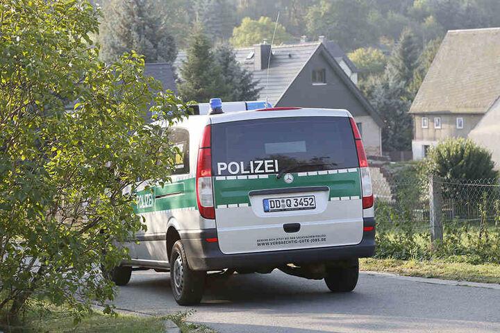 Ein 58-Jähriger ist am Dienstagabend tot aufgefunden worden. Die Kriminalpolizei ermittelt.
