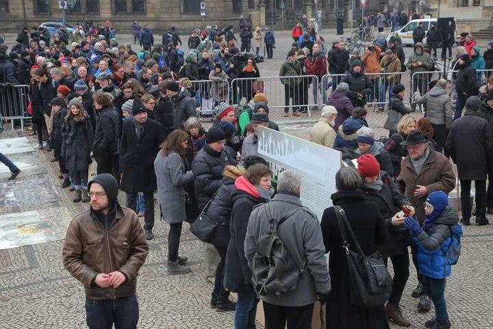 Etwa 300 Menschen waren zur Eröffnung gekommen.