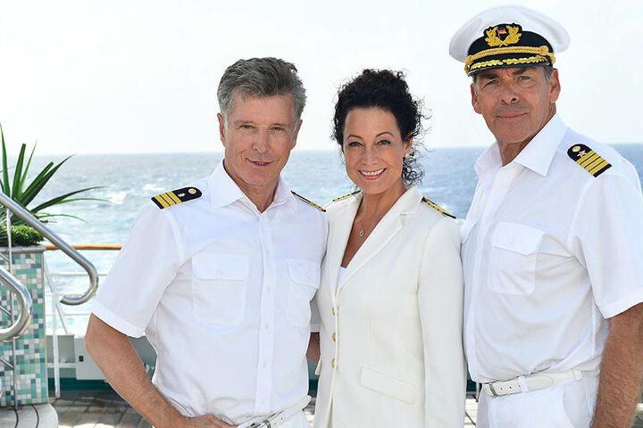 Hanna Liebhold (Barbara Wussow, M.), Kapitän Victor Burger (Sascha Hehn, r.) und Dr. Wolf Sander (Nick Wilder, l.) wird man in der Besetzung künftig nicht mehr zusammen sehen.