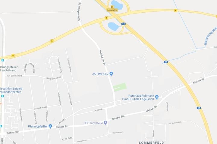 Dazu musste die Autobahn bei Leipzig, nahe der Anschlussstelle Leipzig-Ost, vollständig gesperrt werden.