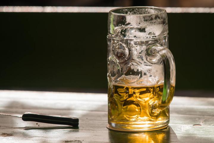 Bei der Star Wars Party zu The last Jedi im Plan B, könnt Ihr mit Bier anstoßen. (Symbolbild)