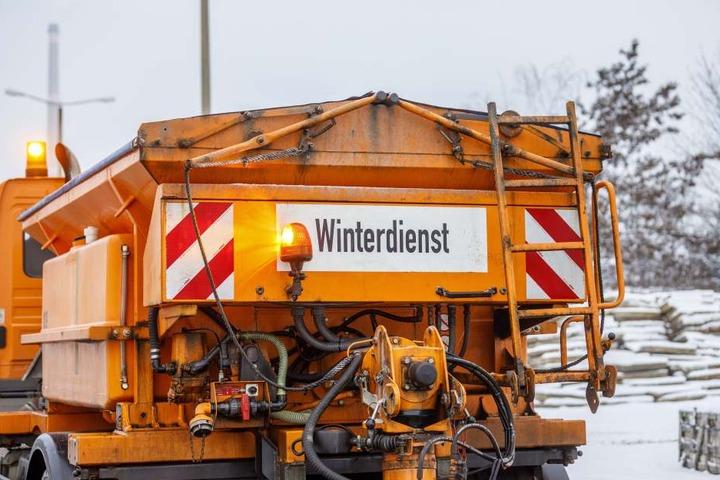 Ein Großteil der Dresdner Winterdienst-Fahrzeuge haben eine moderne  GPS-Technik an Bord.