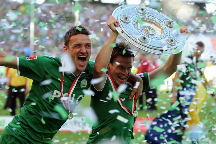 Deutscher Meister: Christian Gentner feierte im Sommer 2009 den Gewinn der Deutschen Meisterschaft mit dem VfL Wolfsburg.