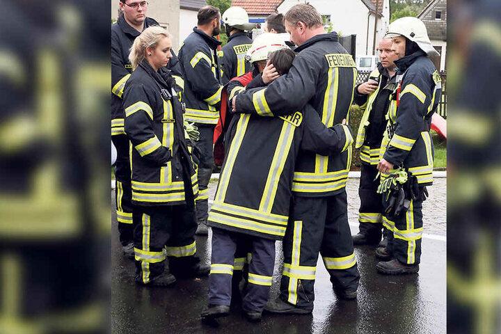 Trauer unter den Kameraden: Feuerwehrmann Leon L. (16) aus Callenberg starb bei einem Wohnungsbrand.