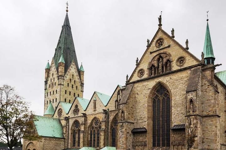 Der Paderborner Dom ist ein Wahrzeichen der Stadt.