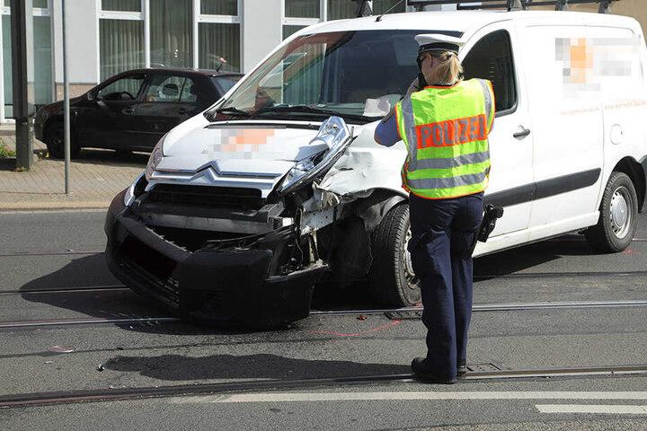 Der Transporter wollte auf der Hamburger Straße wenden.