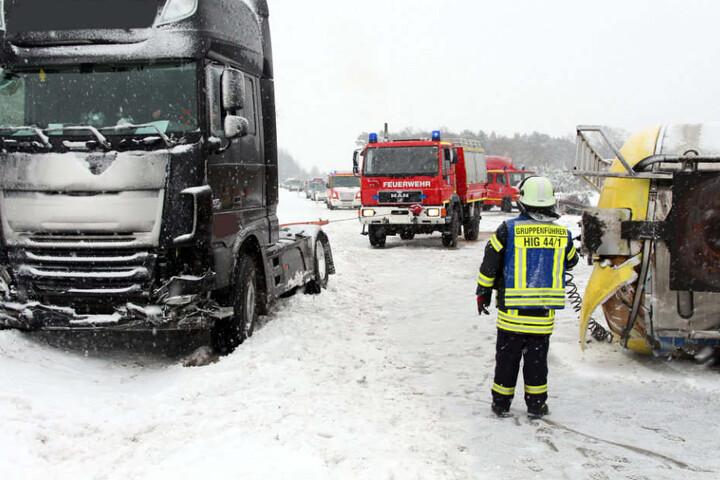 Die Autobahn war über Stunden blockiert.