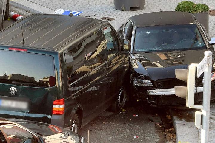 Die mutmaßlichen Täter wollten mit einem Auto fliehen, die Flucht fand jedoch ein schnelles Ende.