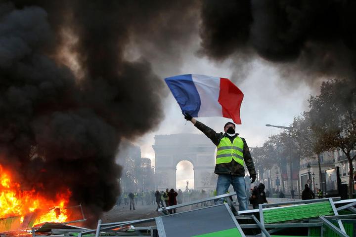Seit Mitte November kommt es in Frankreich zu teils heftigen Demonstrationen.