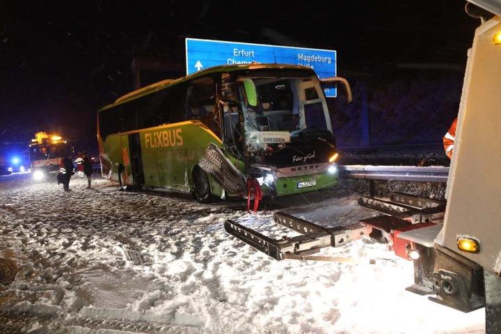Auch ein Fernbus war in den Unfall auf der A4 zwischen Nossen und Wilsdruff verwickelt.