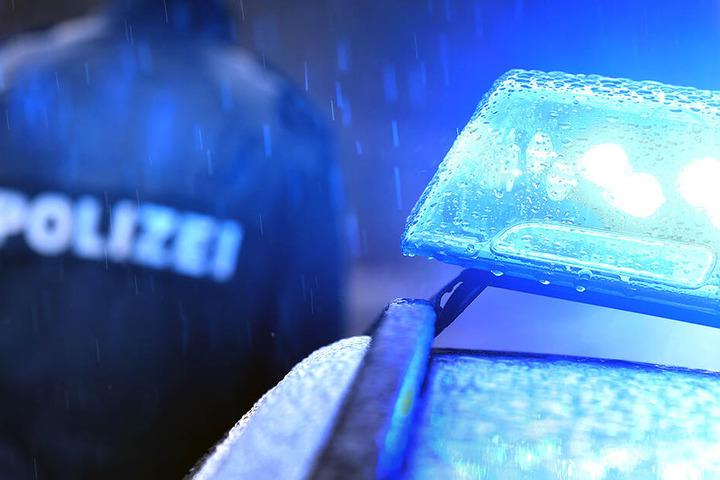 Hinweise zur Identität des Gesuchten nimmt die Polizeidirektion Dresden entgegen.