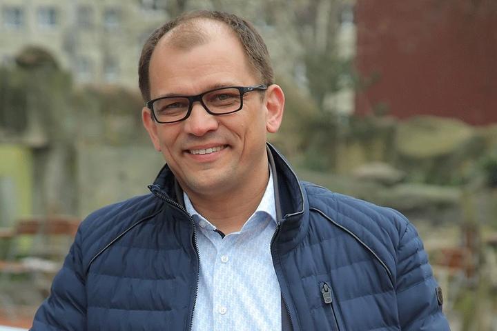 """Elbezeit-Chef Jeffrey Pötzsch (46) findet die neue Location """"schick, aber nicht zu schick""""."""