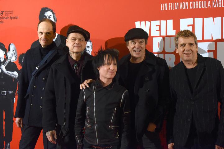 Die Toten Hosen spielen ein Akustik-Konzert in Düsseldorf.
