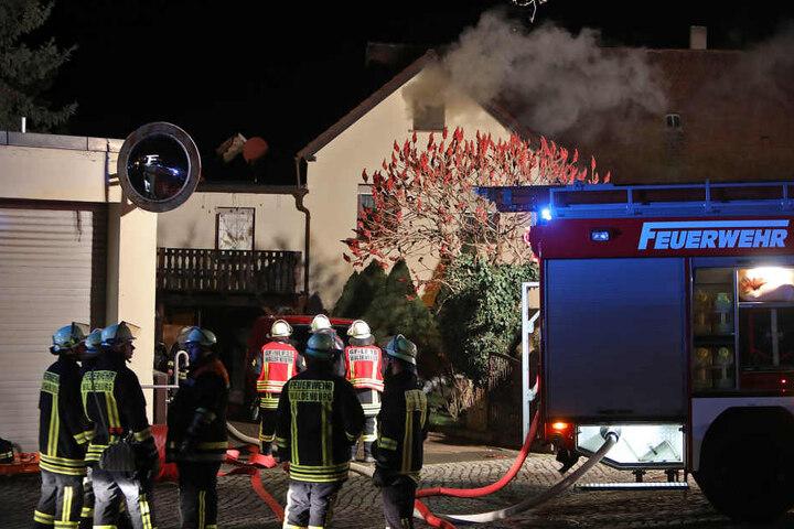 Die Freiwillige Feuerwehr Waldenburg löschte den Brand im Schlafzimmer.