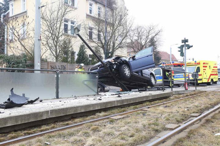 Über die genaue Unfallursache ist noch nichts bekannt.