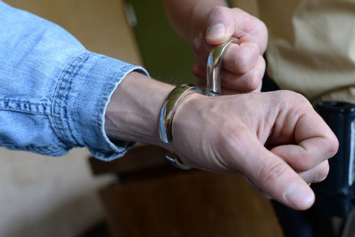 Vor dem Landgericht München I beginnt am Dienstagmorgen ein Prozess gegen fünf Männer. (Symbolbild)