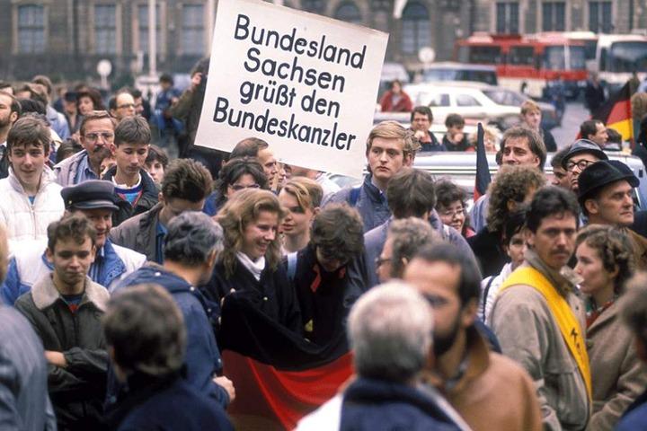 Ebenfalls in Leipzig, November 1989: Die Menschen sind mehrheitlich auf Kanzler-Kurs.